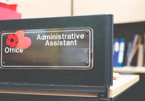 administrative-assistant-sign_925x